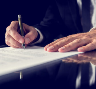 signing-legal-document